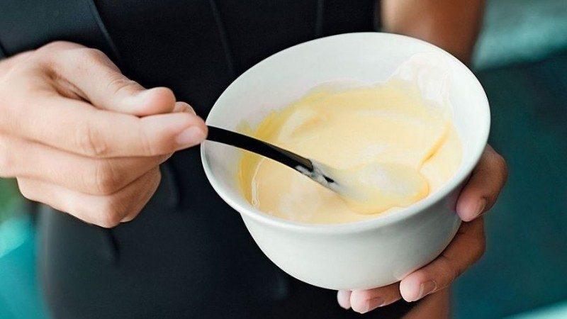 С мёдом и яичным белком